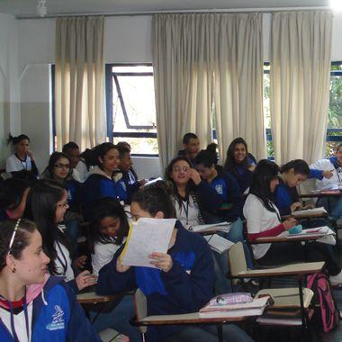 Schul- und Berufsbildung für bedürftige Kinder